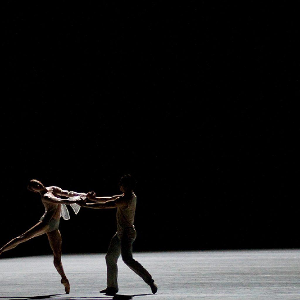 Andrea Parkyn, Fabien Voranger - The Grey Area - Semperoper Ballett - photo © Costin Radu