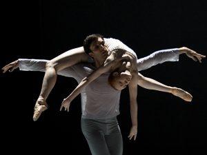 Raphaël Coumes-Marquet, Natalia Sologub - The Grey Area - Semperoper Ballett - photo © Costin Radu