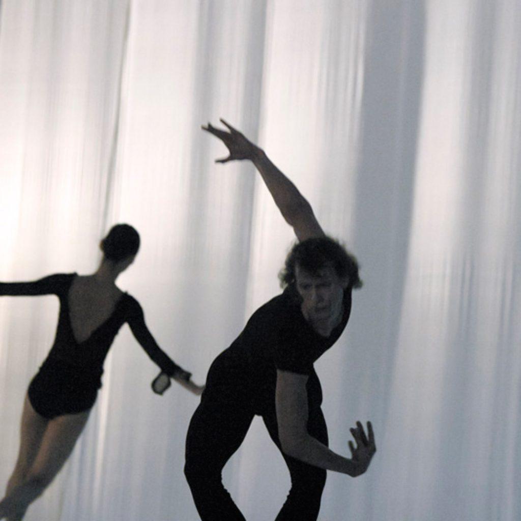 Yumiko Takeshima, Jahn Magnus Johansen - Morning Ground - Dutch National Ballet - photo © Joris-Jan Bos