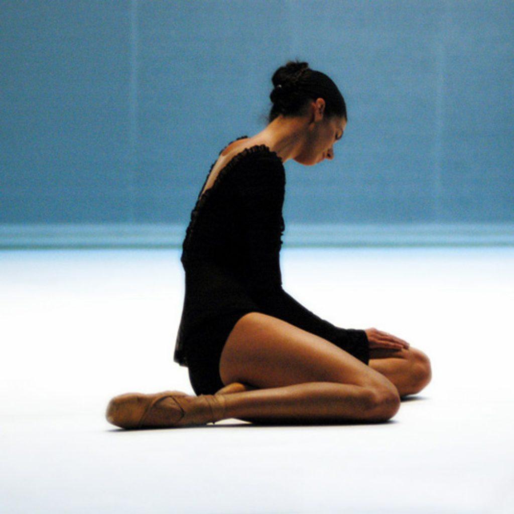 Britt Juleen - Morning Ground - Dutch National Ballet - photo © Tamas Nagy