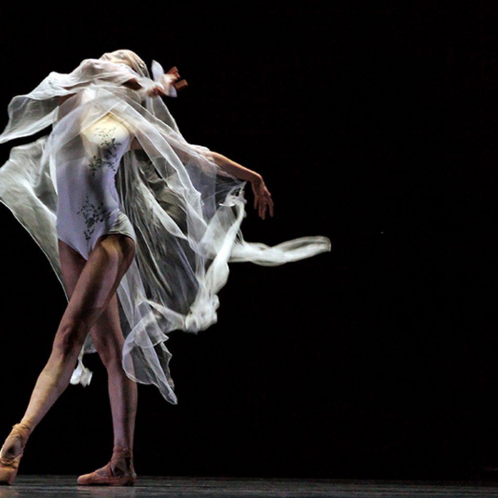 Elena Vostrotina - Giselle - Semperoper Ballett - photo © Costin Radu