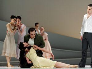Yumiko Takeshima, Jiří Bubeníček, Fabien Voranger - Giselle - Semperoper Ballett - photo © Costin Radu