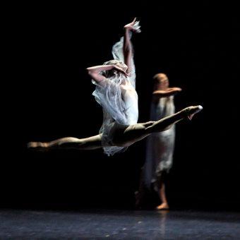 Yumiko Takeshima, Elena Vostrotina - Giselle - Semperoper Ballett - photo © Costin Radu