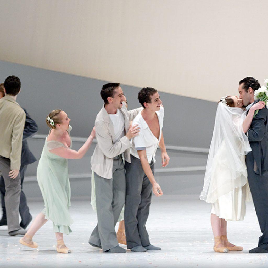 Ensemble - Giselle - Semperoper Ballett - photo © Costin Radu