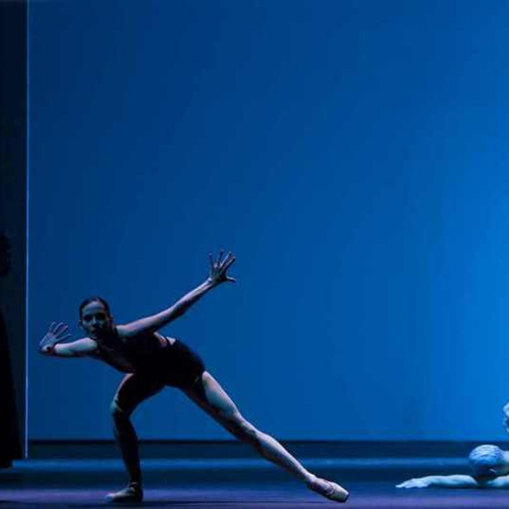 Samantha Mednick, Igone De Jongh, Cédric Ygnace - timelapse/(Mnemosyne) - Dutch National Ballet - photo © Angela Sterling