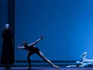 Samantha Mednick, Igone De Jongh, Cédric Ygnace - timelapse/(Mnemosyne) - Dutch National Ballet - photo © Angela Sterling