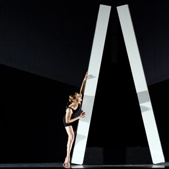 Kate Strong - The World According to Us - Semperoper Ballett - photo © Costin Radu
