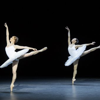 Sarah Hay, Arika Togawa - 5 - Semperoper Ballett - photo © Costin Radu