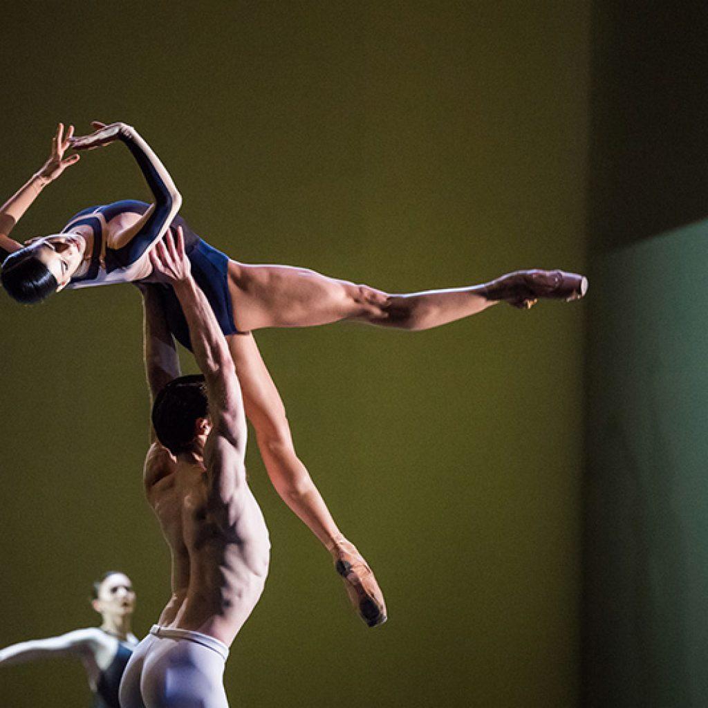 Mayara Magri, Calvin Richardson - The Human Seasons - The Royal Ballet - photo © Tristram Kenton