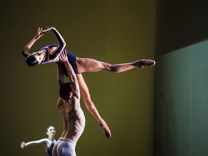 Mayara Magri, Calvin Richardson - The Human Seasons - The Royal Ballet - photo © Tristram Kenton