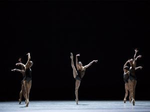 Michaela DePrince, Sasha Mukhamedov, Igone Gremillet de Jongh, Suzanna Kaic, Floor Eimers - Empire Noir - Dutch National Ballet - photo © Angela Sterling