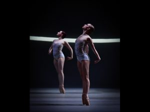 Beth Kingsley-Garner, Daniella Oddi - Swan Lake - Scottish Ballet - photo © Rimbaud Patron