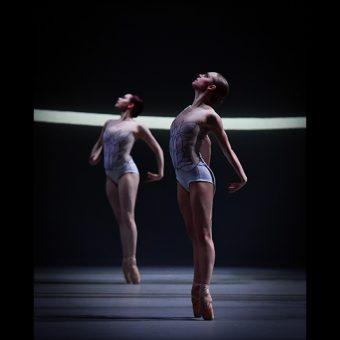 Beth Kingsley-Garner, Daniella Oddi - Swan Lake - Scottish Ballet - photo © Rimbaud Patron