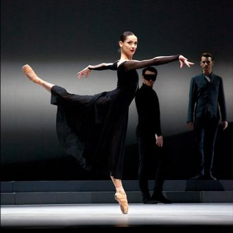 Sophie Martin - Swan Lake - Scottish Ballet - photo © Christina Riley