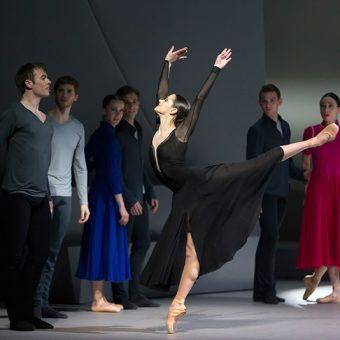 Sophie Martin, Chris Harrison - Swan Lake - Scottish Ballet - photo © Emma Kauldhar