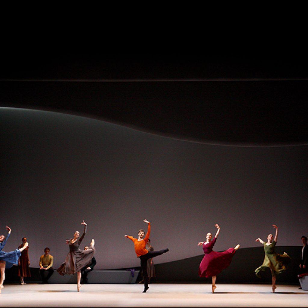 Ensemble - Swan Lake - Scottish Ballet - photo © John Otto