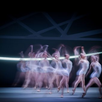 Ensemble - Swan Lake - Scottish Ballet - photo © Rimbaud Patron